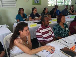 Project Mañana's  team at the workshop (back row)